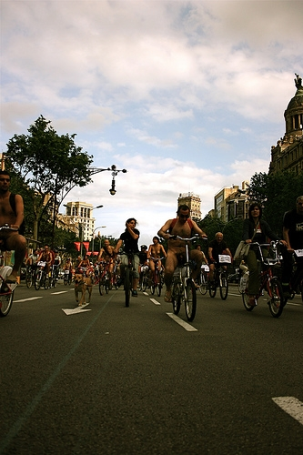 WorldNakedBikeRide cyclonue ciclonudista 2008 barcelona