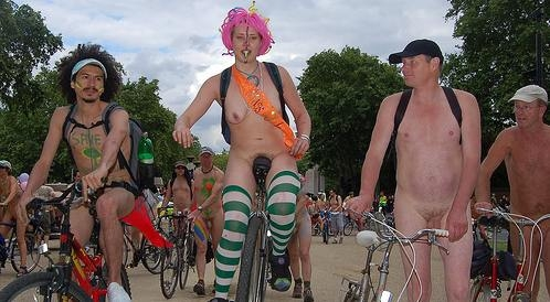worldnakedbikeride wnbr cyclonue ciclonudista london 2008