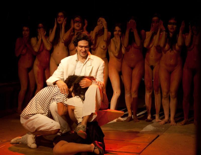 Кончает жену спектакли с крутой эротикой