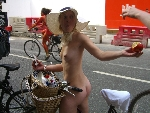 world naked bike ride cyclonue ciclonudista london 2009